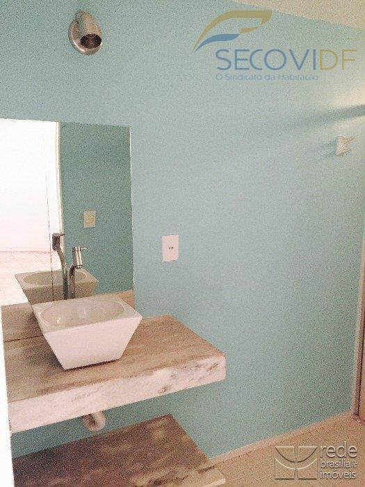 cnb 01 - res magasaapartamento reformado composto por: sala, 02 quartos com armários, banheiro social, cozinha...
