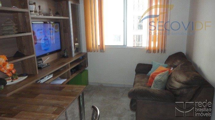 qs 501 samambaia sulapartamento composto por (02) quartos com armários, sala com rack e mesa fixa,...