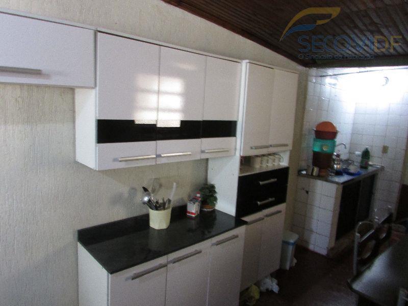qnl 01 - taguatingacasa em lote de 120m², composta por: sala, 02 quartos, banheiro social com...