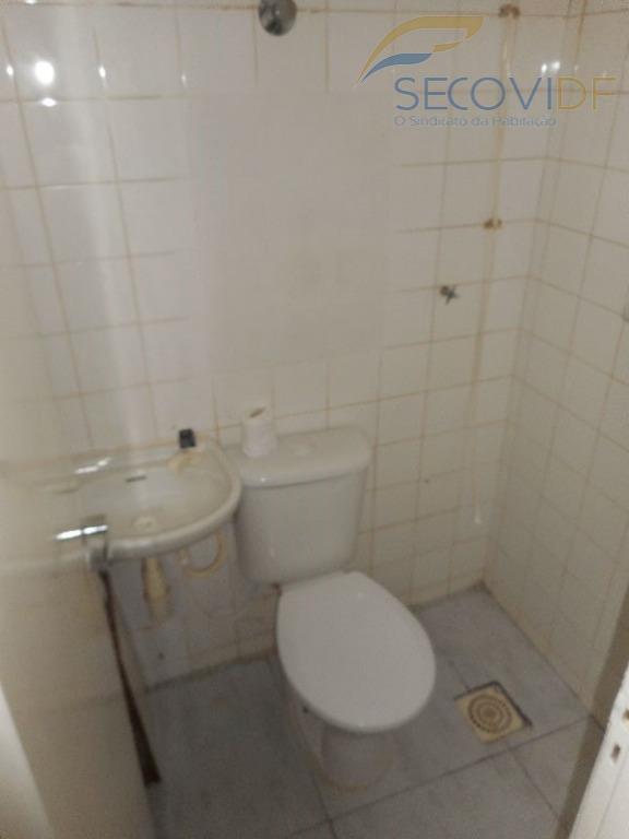 11 Banheiro de serviço - QI 01 BLOCO G
