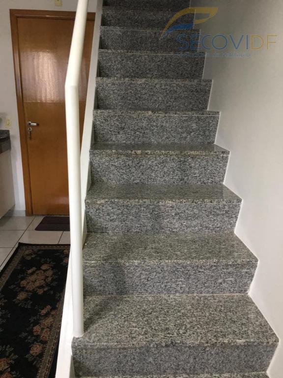 05 escada - AVENIDA DAS ARAUCÁRIAS ARQUIPELAGO DE ABROLHOS