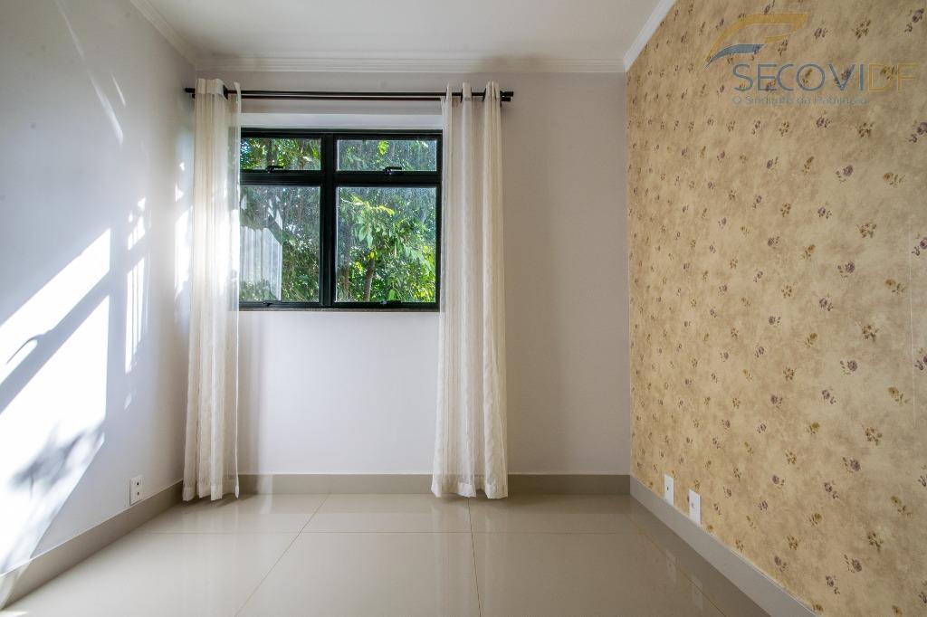sqn 416, asa norte - brasília excelente apartamento vazado, reformado, composto por uma sala ampla com...