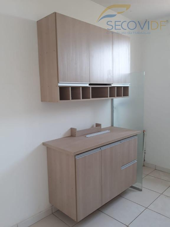 qn 108, samambaia norte - brasília/dfexcelente apartamento 02 quartos sala cozinha banheiro social garagem rotativa armários...