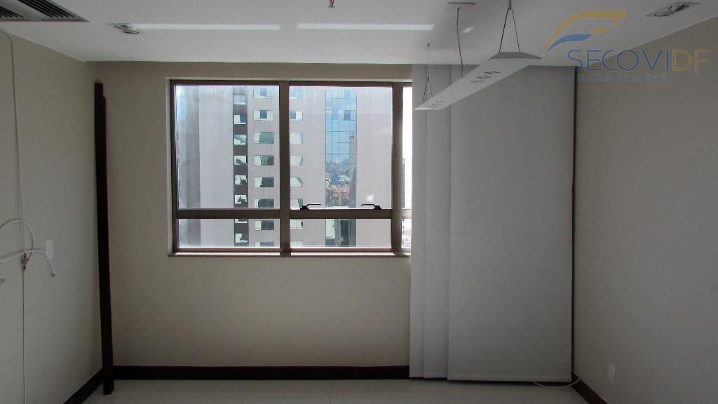 sala ampla com divisória, ar condicionado, banheiro, uma vaga de garagem. nascente. piso porcelanato. pintura nova.você...