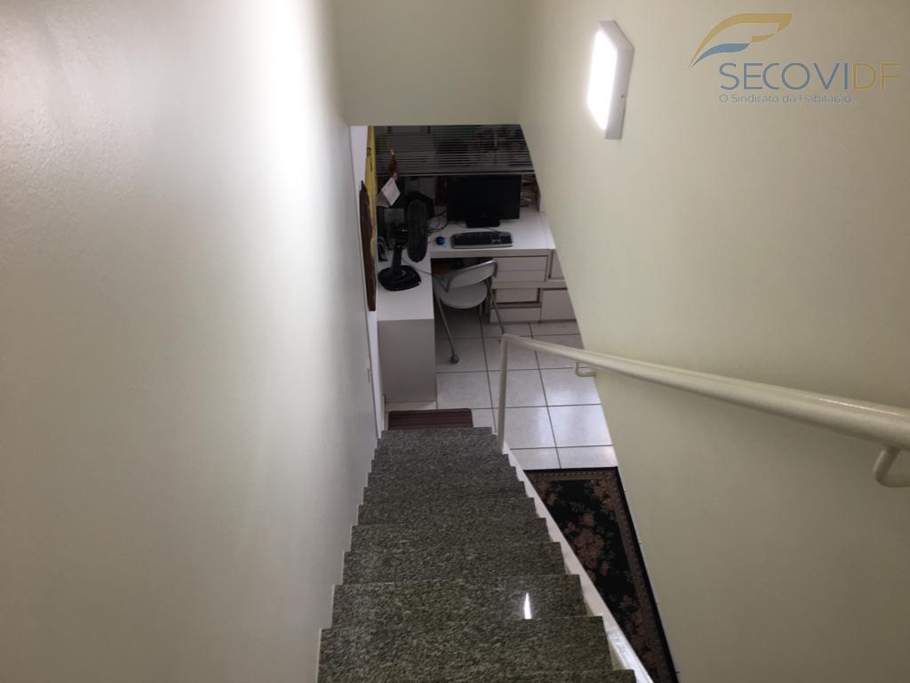 06 escada - AVENIDA DAS ARAUCÁRIAS ARQUIPELAGO DE ABROLHOS