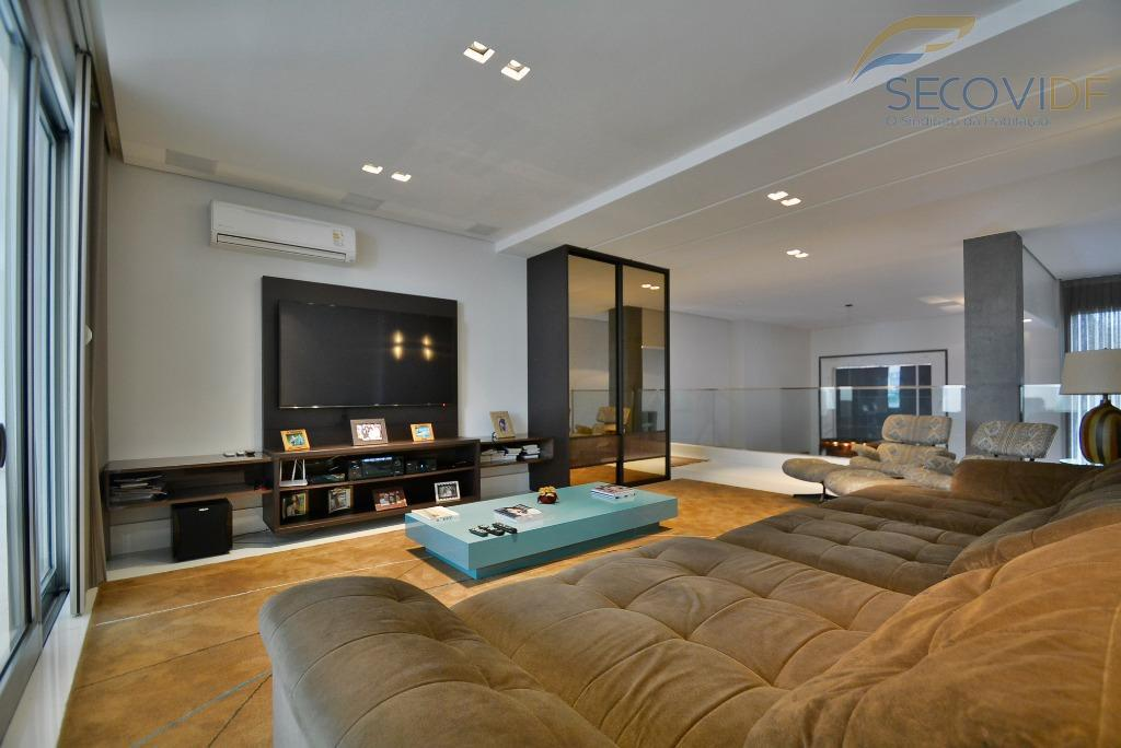 smpw quadra 05 maravilhosa - segurança, modernidade, design e praticidade são alguns dos vários atributos desta...