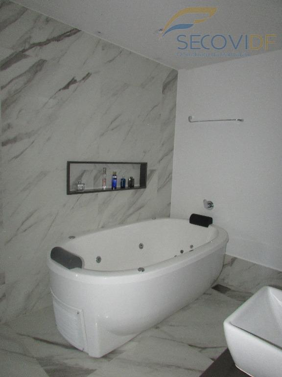 casa nova, estilo contemporâneo com dois pavimentos e terraço. 1º pavimento: sala em dois ambientes, sala...