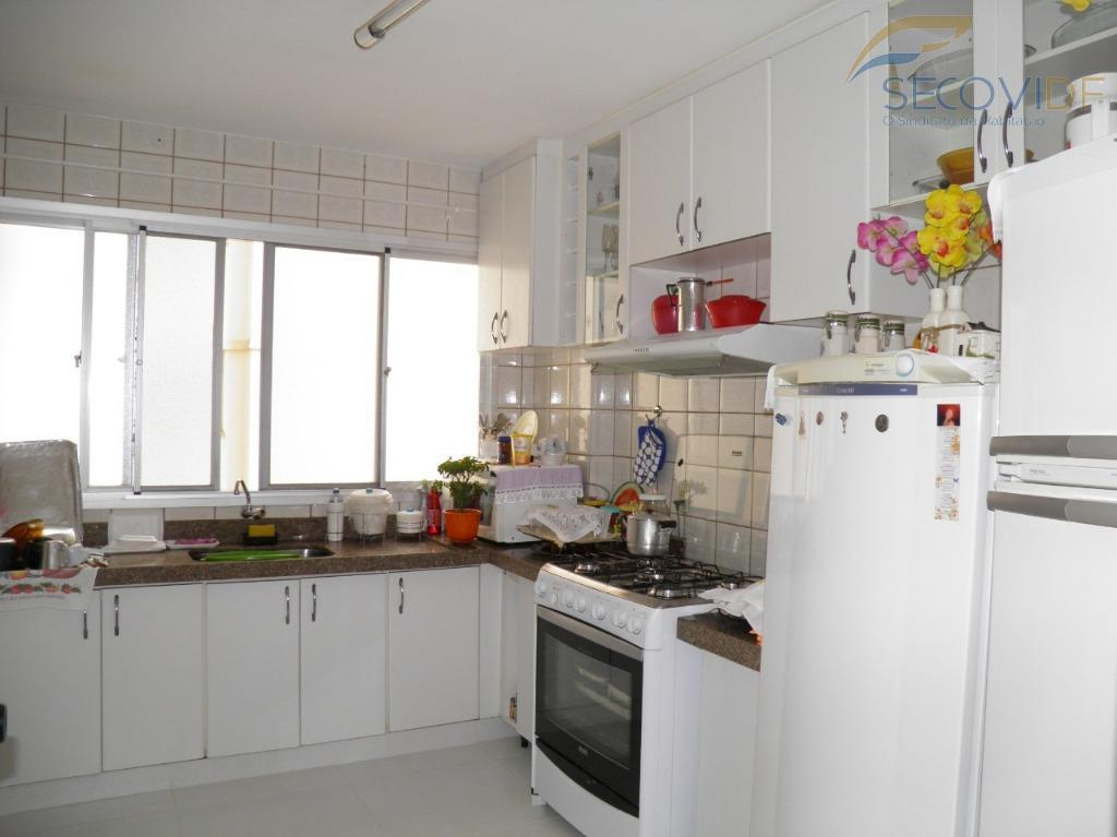 06 cozinha - RUA 21 SUL ARAUCARIAS