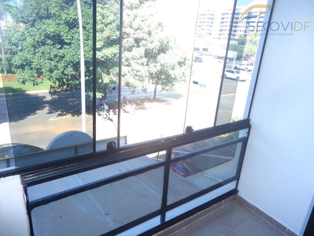 sala dupla, cozinha, banheiro e varanda. piso em cerâmica. pintura nova. você quer alugar sem fiador?...