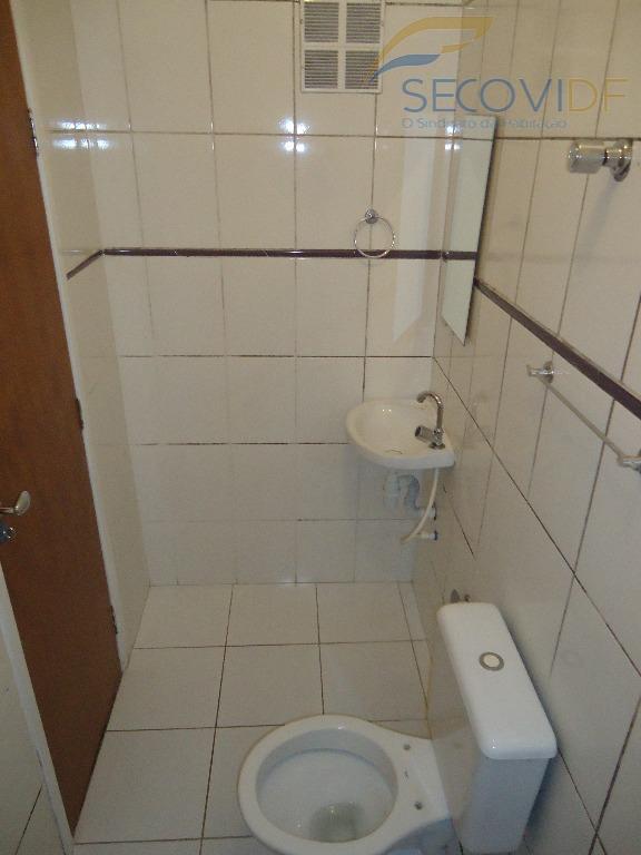 sala, um quarto, banheiro social, cozinha estilo americana com armários. piso cerâmica. pintura nova. poente.você quer...