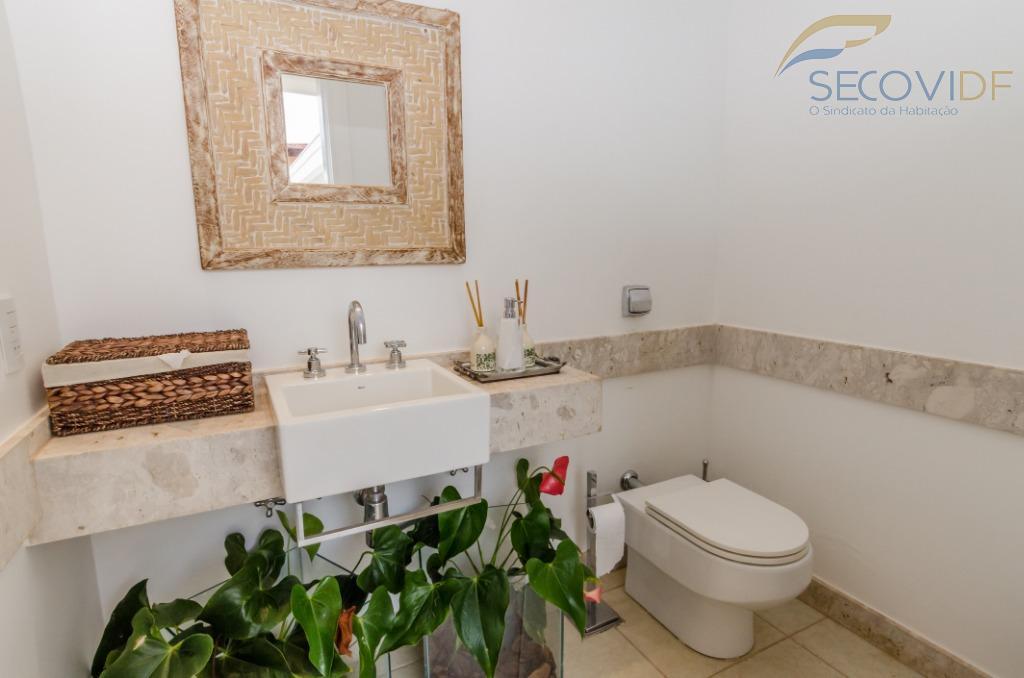 55 banheiro - SHIS QL 10 CONJUNTO 07