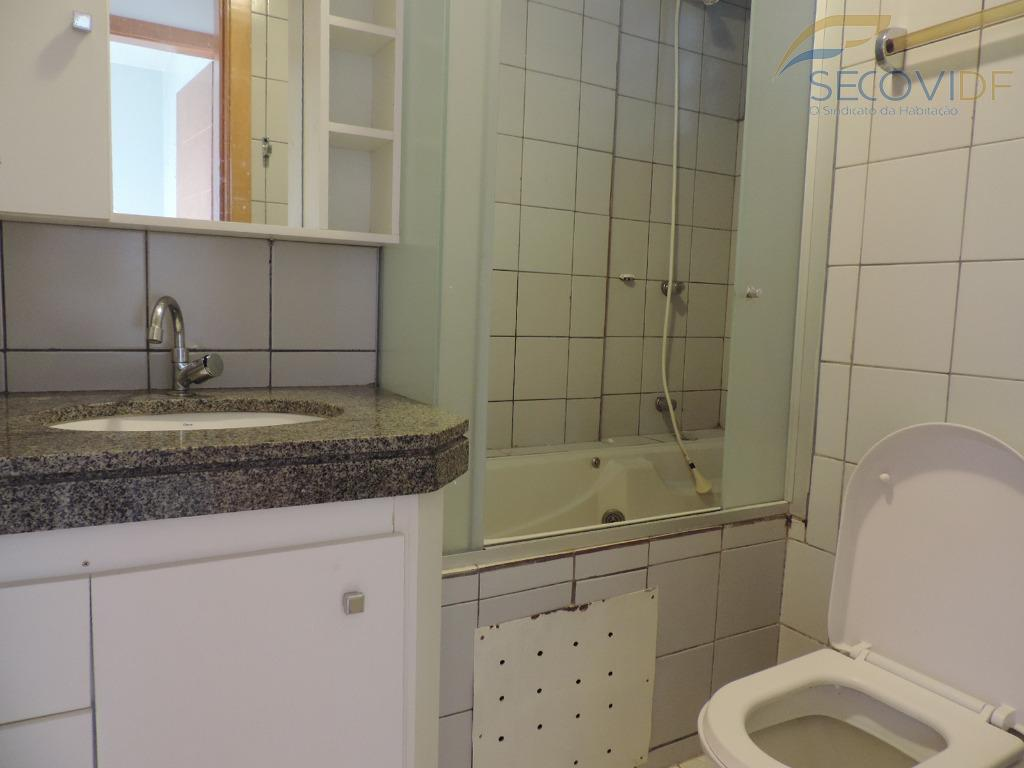 11 banheiro - QRSW 04 BLOCO A-8