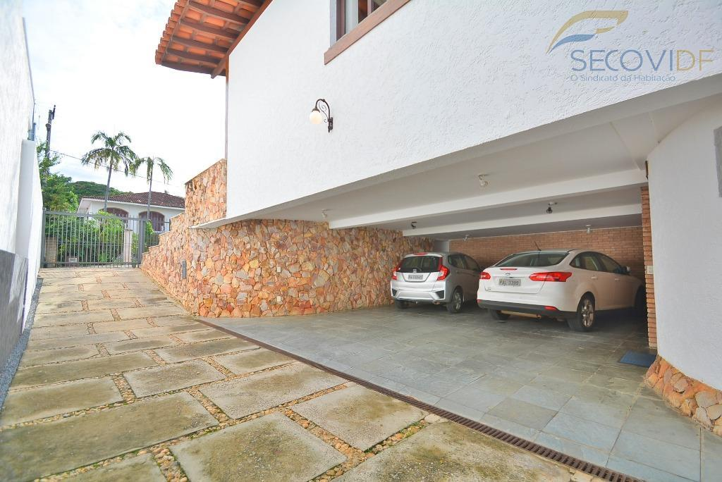 shis ql 12 - bonita e confortável, esta casa está localizada no lago sul, na exclusiva...