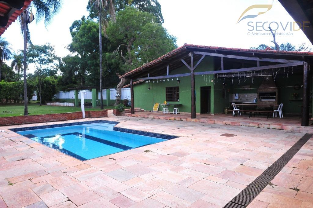 shin qi 07, lago norte - brasília/dfagradável casa! térrea! ótima localização!imóvel com 336m², terreno vazado! com...