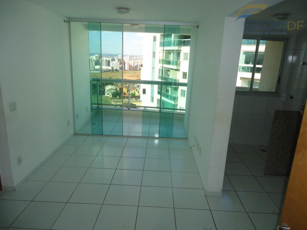 sala com varanda gourmet, dois quartos sendo um suite, banheiro social, cozinha e área de serviço....