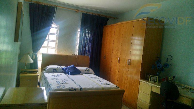 qnf 01 - taguatingadisponibilizamos para venda uma casa recém reformada com as seguintes características:- 04 quartos...