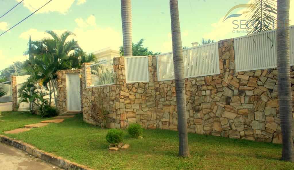 shis ql 28 - excelente casa térrea com 230m² de área construída, composta de 2 dormitórios...