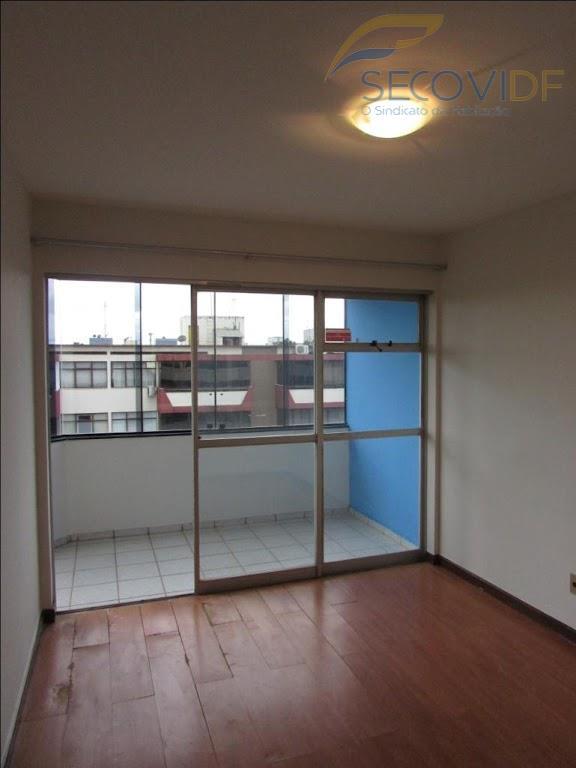 sala com varanda, um quarto, banheiro social, cozinha conjugada com área de serviço. piso flutuante e...
