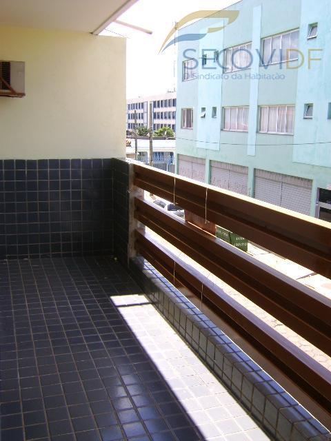06 VARANDA (QI 01 Conjunto B, Guará I)