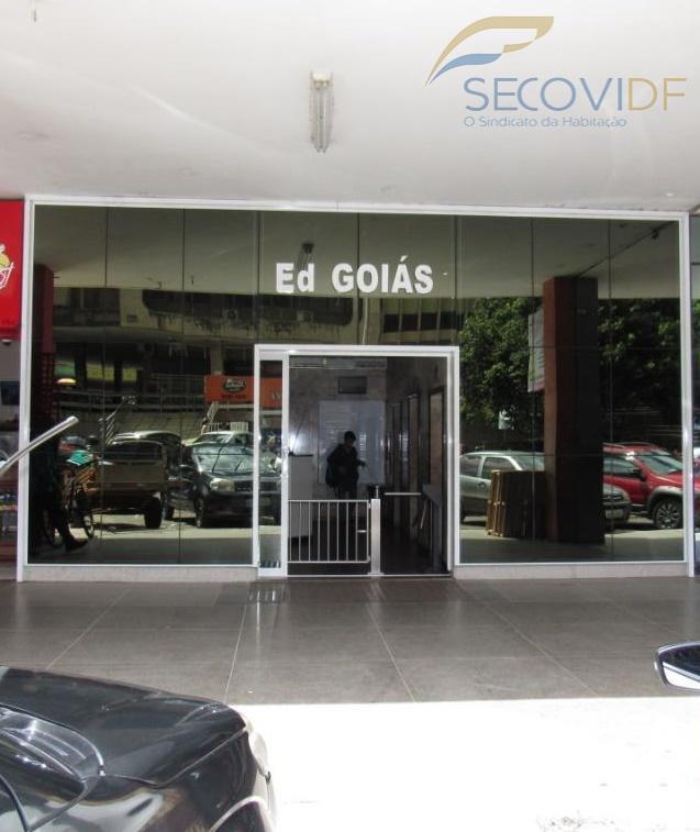 scs qd 02 - ed. goiás - asa sulsala comercial bem localizada com banheiro e prédio...