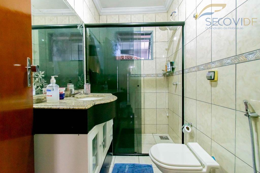 11 - Banheiro suíte - Quadra QNL 19